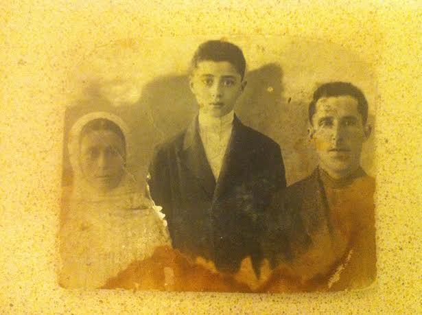 Бабушка Овгоил Ирмияевна, дед Мухоил Рувимович и дядя Рувим, ок. 1936 г.
