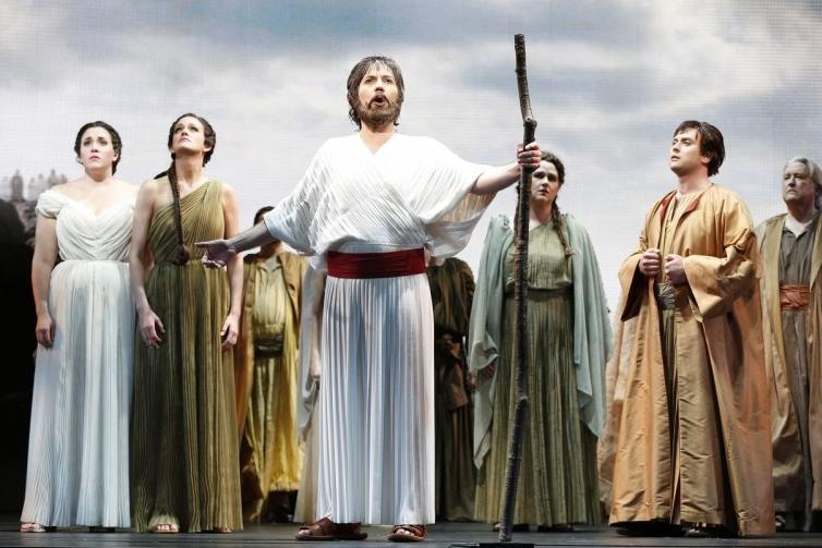 Фрагмент постановки оперы «Моисей в Египте»