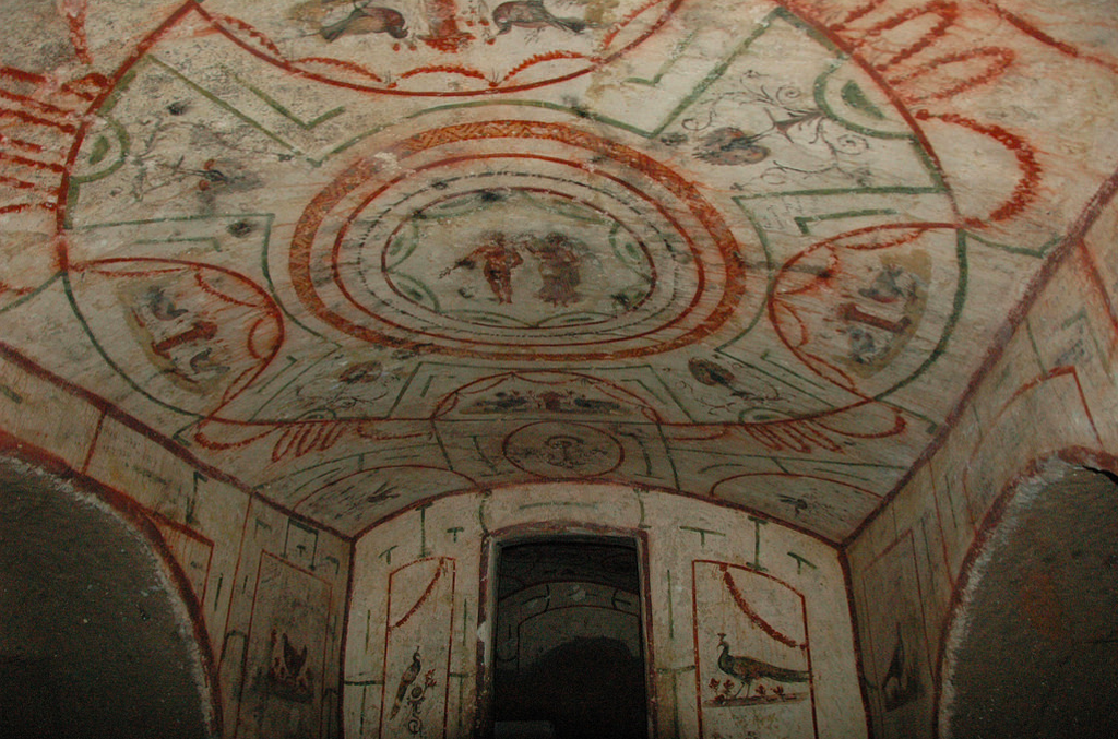 11-the-painted-chamber-with-the-goddess-of-Victory-crowning-an-athlete-Courtesy-of-Jessica-Dello-Russo-International-Catacomb-Society